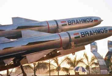भारत को छोड़ किसी भी देश के पास नहीं है सबसे तेज गति वाली मिसाइल, ब्रह्मोस अब मैक 7 की गति से दुश्मनों पर बरपाएगी कहर