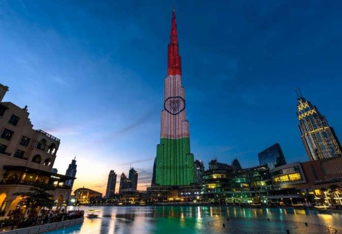 पीएम मोदी के यूएई पहुंचने से पहले बुर्ज खलीफा बना तिरंगा, जानें कब-कब भारतीय झंडे में रंगी यह ईमारत