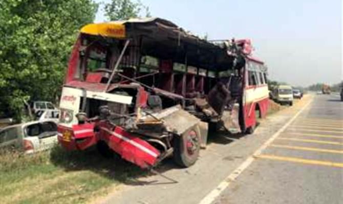 पूर्वी सिंहभूम में तीर्थ यात्रियों से भरी बस पलटी, तीन की मौत