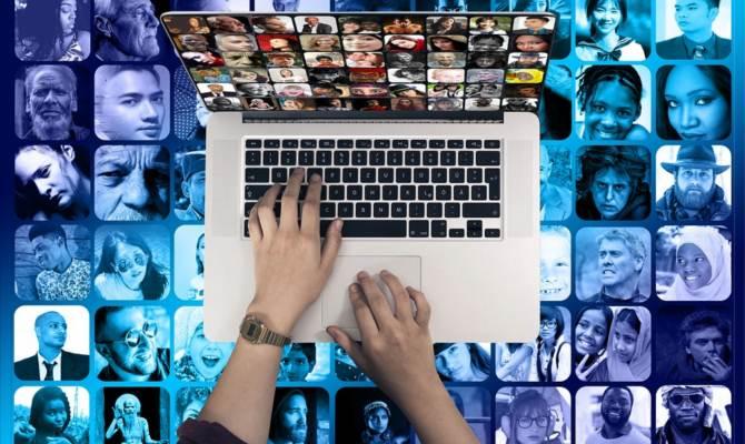 क्यों सुर्खियों में है cambridge analytica और Facebook, यहां खुल रही हैं इस फेसबुक डेटा लीक की पर्तें