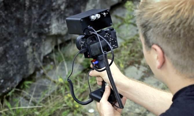 इलेक्ट्रिक शॉक देकर फोटोग्राफी सिखाता है ये कैमरा! फ्री का टीचर जो बनाएगा फोटो एक्सपर्ट