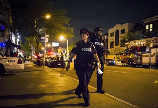 कनाडा : टोरंटो में रेस्तरां के पास अंधाधुंध गोलीबारी, एक की मौत, 14 घायल और शूटर ढेर