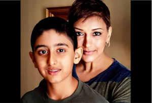 कैंसर से लड़ रही सोनाली बेंद्रे ने बेटे से किया अपना दर्द साझा, तो 12 बरस के रणवीर ने खुद को ऐसे संभाला