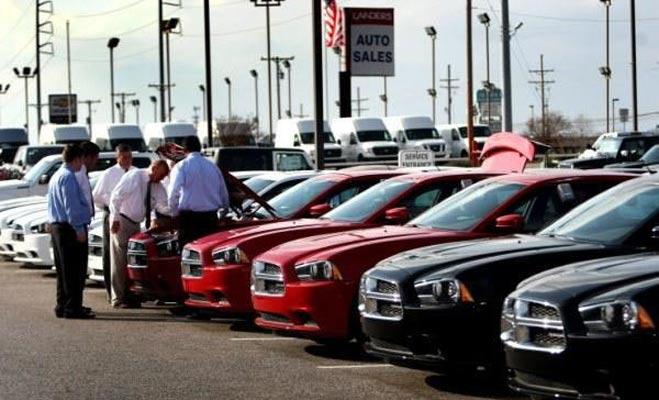 खरीद रहे हैं पहली कार तो रखें इन बातों का ध्यान
