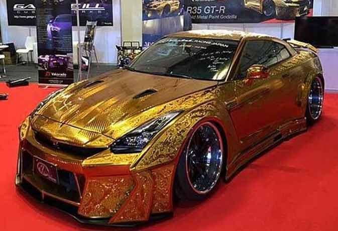 दुबई के ऑटो इवेंट में छाई रही सोने से बनी गॉडजिला कार, कीमत 6.7 करोड़ रुपये