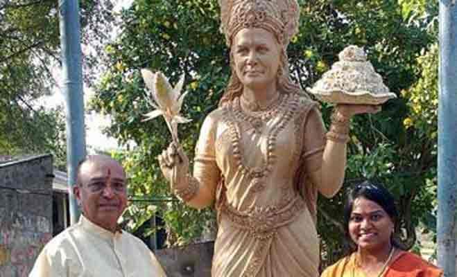 कोलकाता के मंदिर में अमिताभ की सरकार 3 वाली प्रतिमा,देखें जानी-मानी हस्तियों के मंदिर