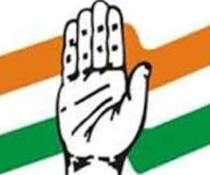 भाजपा-सपा को बड़ा झटका, एक पूर्व सांसद व एक मंत्री ने ली कांग्रेस की सदस्यता