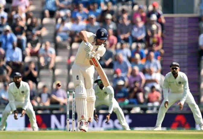 Image result for अपना आखिरी टेस्ट खेल रहे एलिस्टर कुक और इंग्लैंड के कप्तान