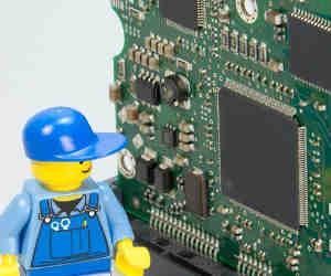गूगल-माइक्रोसॉफ्ट ने खोजी डेटा लीक करने वाली CPU  बग, उसे ठीक करने में स्लो हो जाएंगे दुनिया भर के कंप्यूटर