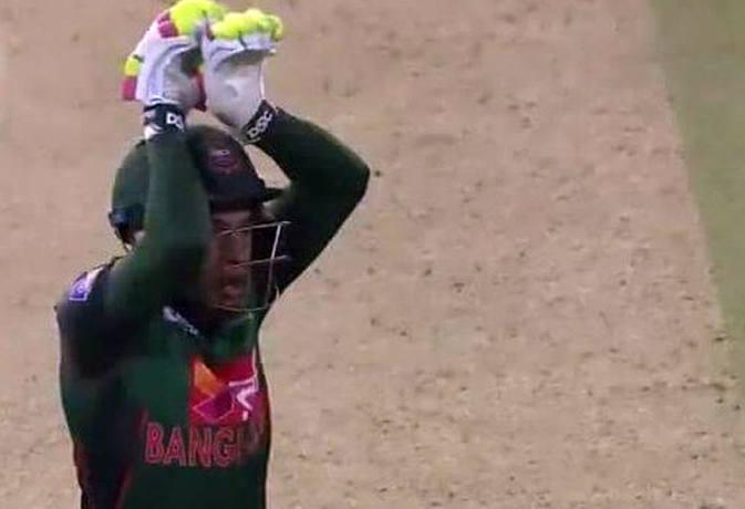 इन 5 इंडियन क्रिकेटर्स के सामने मुश्फिकुर रहीम का 'नागिन डांस' कुछ भी नहीं
