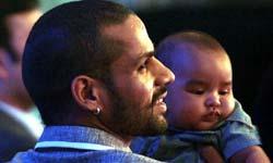 10 इंटरनेशनल क्रिकेटर जिन्हें पिता के रूप में देखकर कहेंगे वाह जनाब