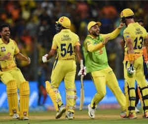 धोनी समेत 6 बल्लेबाज हुए फ्लाॅप तो 10वें नंबर के खिलाड़ी ने चेन्नर्इ को पहुंचाया IPL 11 के फाइनल में