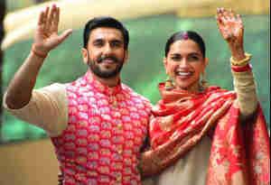 तस्वीरें: शादी के बाद रणवीर ने पत्नी दीपिका संग किया गृह प्रवेश, पहली बार साथ करते दिखे ये तीन काम