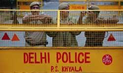 तुम पैसे गिराकर देखो, हम वापस करने घर आएंगे : दिल्ली पुलिसवाला