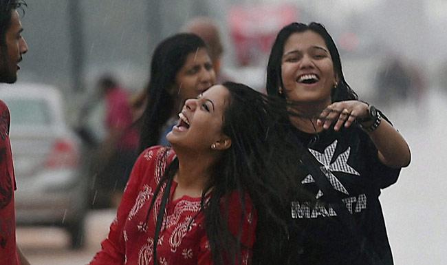 बारिश से दिल्ली का मौसम खुशगवार, उत्तरभारत में भी कई जगह बारिश