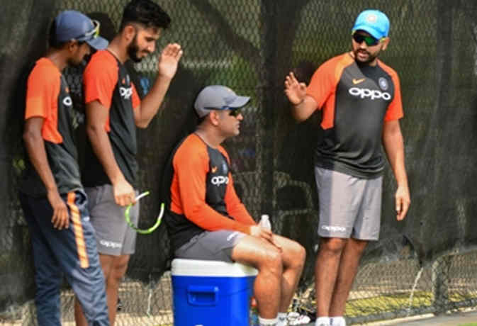 एशिया कप में सबसे ज्यादा औसत से बल्लेबाजी करने वाला भारतीय खिलाड़ी पहुंचा दुबई