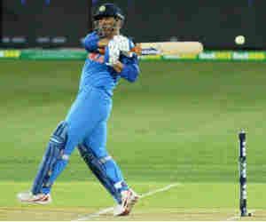 Ind vs Aus : भारत को जीत दिलाने की बारी आर्इ, तब धोनी का बल्लेबाजी आैसत सबसे हार्इ