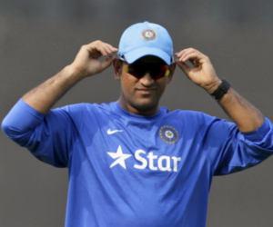 Ind vs Pak ICC World cup 2019 : वर्ल्डकप खेल रहे इस पाक खिलाड़ी के चाचा को हरा चुके हैं धोनी