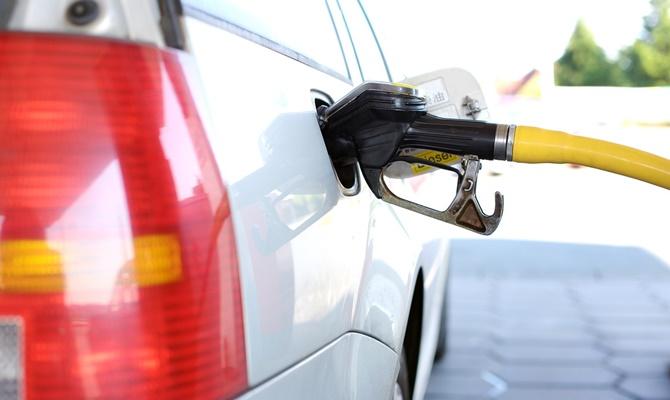पेट्रोल डीजल की कीमत में रह गया मामूली अंतर, तभी तो 15 परसेंट घट गई डीजल व्हीकल की सेल