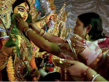 Navratri 2019: जानें नौ दिन और नौ रातों का महत्व, आखिर क्यों रखते हैं उपवास