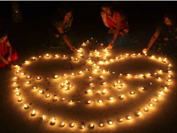 25 को है धनतेर तो 27 अक्टूबर को दीपावली,  ये हैं हफ्ते भर के व्रत-त्योहार