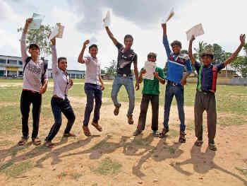 UP Education Budget 2020: टाॅपर छात्राओं को लैपटाॅप, शिक्षकों की निष्पक्ष नियुक्ति