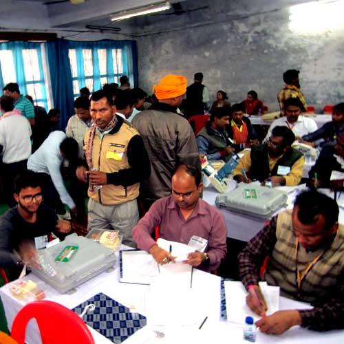 UP assembly election results 2017 : गोरखपुर की सभी विधानसभा सीट्स पर बीजेपी आगे