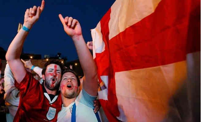 इंग्लैंड का मैच देखने के लिए फैंस टाल रहे अपनी शादी,12 साल बाद आया है ऐसा मौका