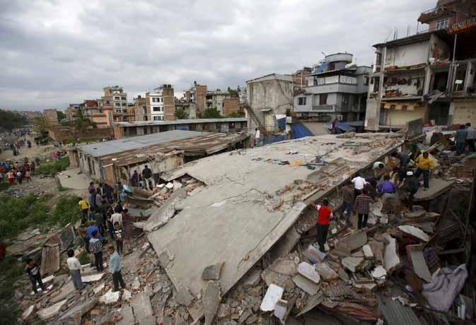 अक्सर भूकंप के बाद आते हैं बार-बार झटके, ऐसे में इन 10 बातों का ध्यान जरूर रखें