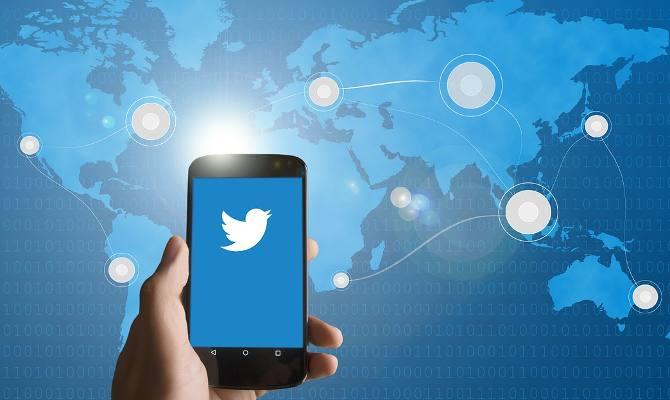 टि्वटर यूजर्स अब सीधे फेसबुक पर पोस्ट नहीं कर पाएंगे अपने ट्वीट! fb ने बंद की यह सुविधा