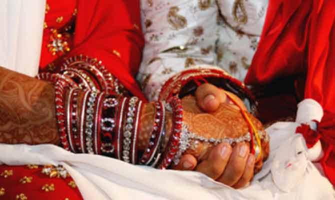 नकली लड़का बनकर इस लड़की ने 2 लड़कियों से की शादी, फिर दहेज के लिए किया अत्याचार, अब हुआ ये हाल
