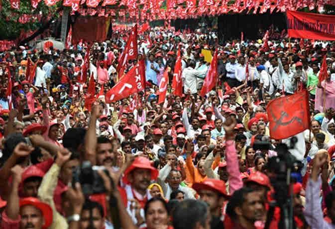हजारों किसान-मजदूरों ने रामलीला मैदान से संसद तक किया मार्च,  दिल्ली हुर्इ जाम