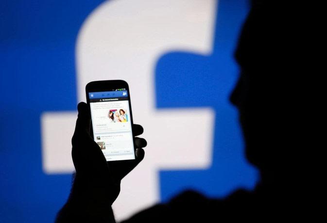 फेसबुक दे रहा है आपको हीरो बनने का मौका, करना होगा ये काम