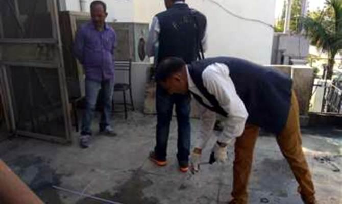 बैंक मैनेजर के घर में नौकरानी की संदिग्ध परिस्थितियों में मौत, हत्या की एफआईआर दर्ज