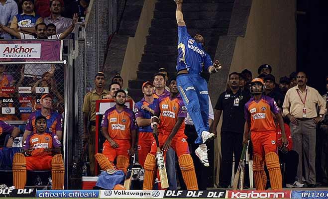 दुनिया के टॉप 10 बेस्ट क्रिकेट फील्डर्स