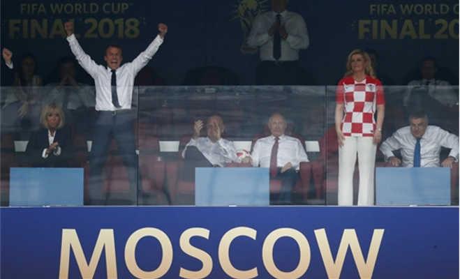 राष्ट्रपति होने के बावजूद एक ने पोंछे खिलाड़ियों के आंसू तो दूसरे ने किया डांस,ऐसा था फीफा वर्ल्ड कप का रोमांच