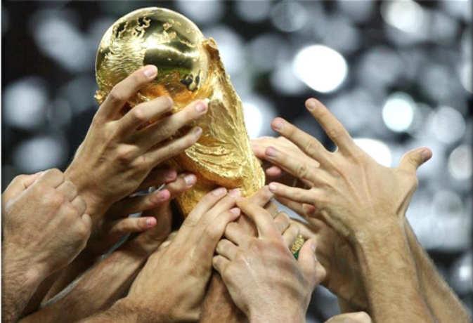 फीफा वर्ल्ड कप जीतने वाले को मिलती है नकली ट्रॉफी, जानें असली ट्रॉफी कहां है और किसने बनाई थी?