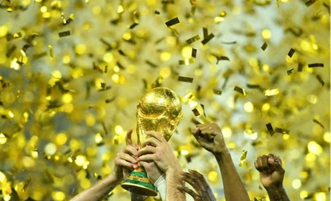 फाइनल जीतने पर फ्रांस को मिली नकली ट्रॉफी,असली ट्रॉफी तो यहां है