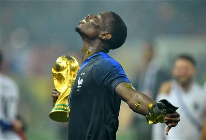 फाइनल जीतने पर फ्रांस को मिली नकली ट्रॉफी, असली ट्रॉफी तो यहां है