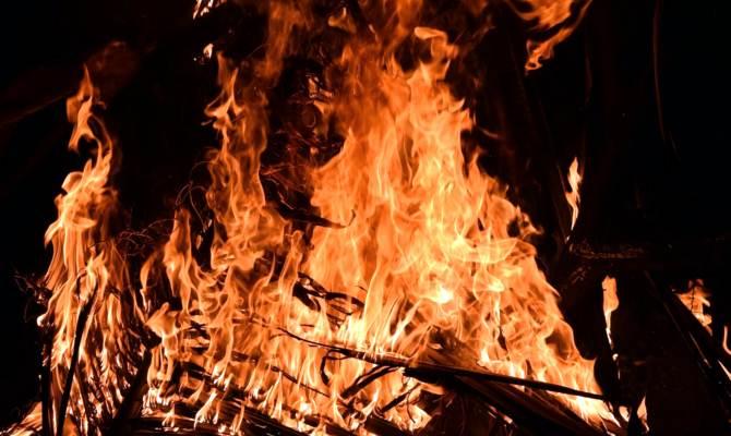 लखनऊ: अवैध गैस रिफलिंग से झुग्गी झोपड़ी में लगी आग, मासूम बच्चे की जलकर मौत