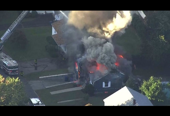 अमेरिका : बोस्टन के गैस पाइपलाइन में विस्फोट, एक की मौत, 12 घायल और हजारों लोग बेघर