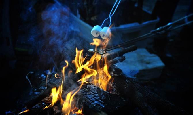जब लाश जलती है तब जलते हैं घरों के चूल्हे!