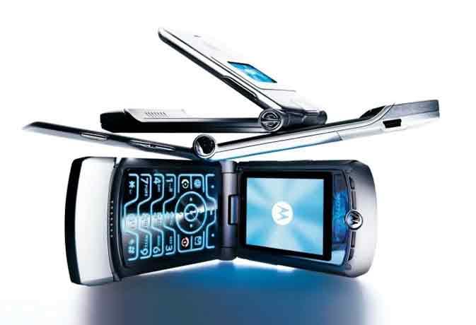 फिर आएगा फ्लिप स्मार्टफोन, 9 जून को लांच होगा मोटो रेज़र वी3