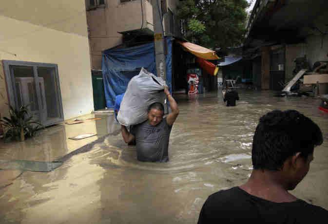 यमुना नदी उफान पर:  दिल्ली-एनसीआर में बाढ़ का खतरा, जारी हुए ये इमरजेंसी काॅल नंबर
