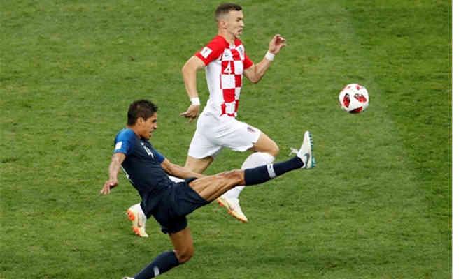फीफा वर्ल्ड कप 2018 : फ्रांस बना चैंपियन,फाइनल में क्रोएशिया को 4-2 से हराया