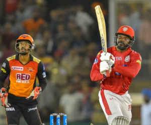 कोहली जब 10 साल के थे तब से क्रिकेट खेल रहे क्रिस गेल, IPL में उनका यह रिकॉर्ड शायद ही टूटे
