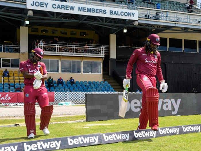 ind vs wi : क्रिस गेल बने 300 वनडे खेलने वाले पहले विंडीज खिलाड़ी,रनों में लारा को पछाड़ा