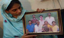पाकिस्तान से आई गीता ने कहा ये भी नहीं...तो आखिर इनमें से कौन हैं इसके माता-पिता
