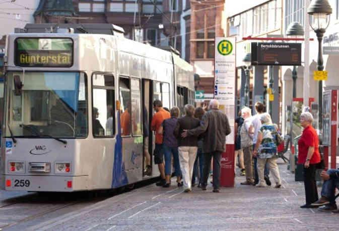 जर्मनी में फ्री पब्लिक ट्रांसपोर्ट का प्रस्ताव, खतरनाक स्तर पर पहुंचा नाइट्रोजन ऑक्साइड लेवल