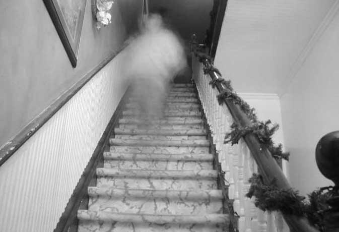 जब भूत ने पड़ोसियों से कहा घर में दफन है मेरी लाश